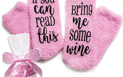 "Luxus-Wein-Socken mit""If You Can Read This Bring Me Some Wine"""